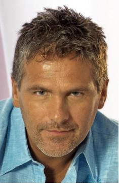 Héctor Soberón vetado en TV Azteca por petición de Michelle Vieth