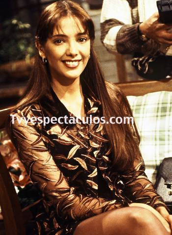 Feliz cumpleaños a Adela Noriega