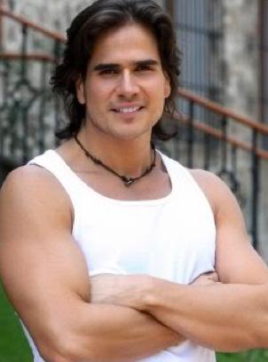 Daniel Arenas confirmado como protagonista de la nueva telenovela de Nathalie Lartilleux