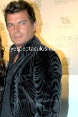 Sergio Basañez en Los Rey