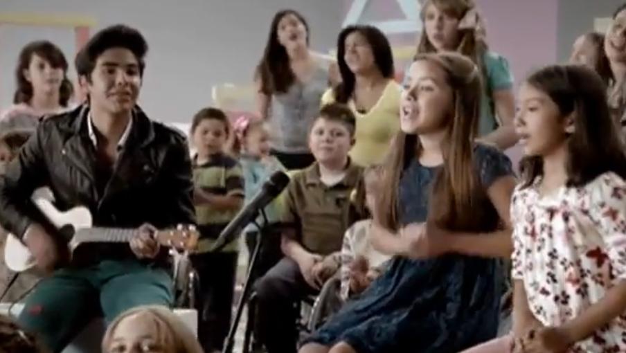 Escucha el Himno del Teletón 2012 con Los Vázquez Sounds