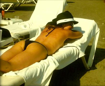 Andrea Legarreta presume cuerpazo en bikini