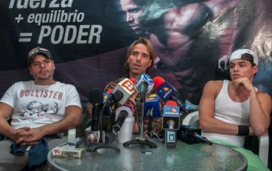 El Muñeco brinda conferencia de prensa
