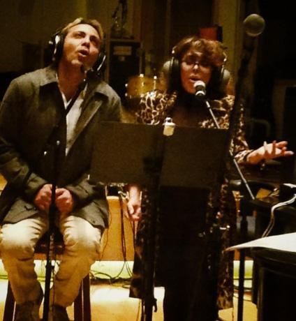 Cristian Castro grabará temas con su mamá