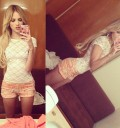 Eiza González se toma fotos para Twitter