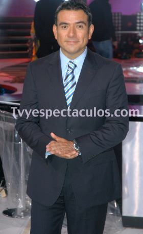 Héctor Sandarti como conductor de Hoy