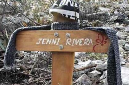 Dicen escuchar canto de Jenni Rivera en el lugar donde falleció
