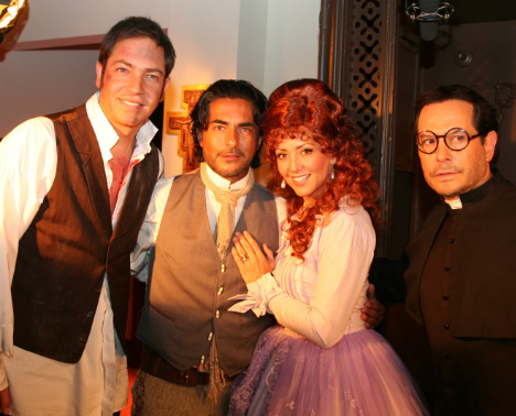Carla Estrada presenta Hoy es para amar telenovela cómica de época