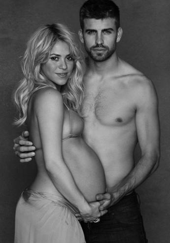 Shakira se muestra embarazada en Twitter