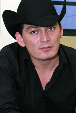 José Manuel Figueroa interpretará a Joan Sebastian en la serie que produce Carla Estrada