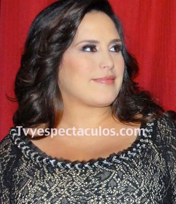 Niega Angélica Vale que interpretará a Jenni Rivera en su película