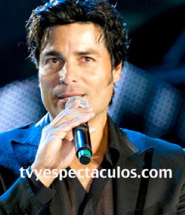 Salvador Mejía quiere que Chayanne cante el tema de La Tempestad
