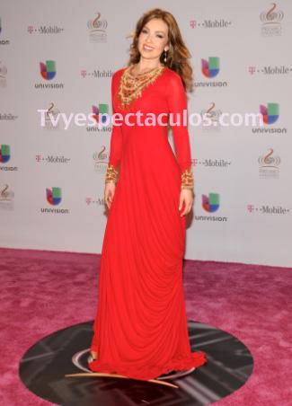 Thalía niega divorcio con Tommy Mottola