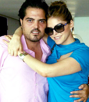 Aterrizan en vuelo de emergencia hermano de Salma Hayek y hermano de Ana Bárbara