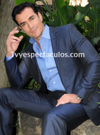 Propone David Zepeda temas musicales a la productora Rosy Ocampo