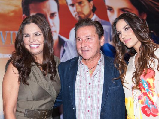 Ricardo Montaner canta con India Martínez el tema musical de Mentir para Vivir