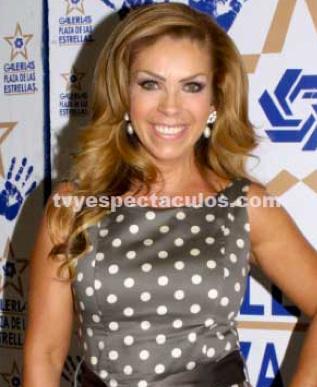 Rocío Sánchez Azuara molesta por terrible error en Cosas de la Vida