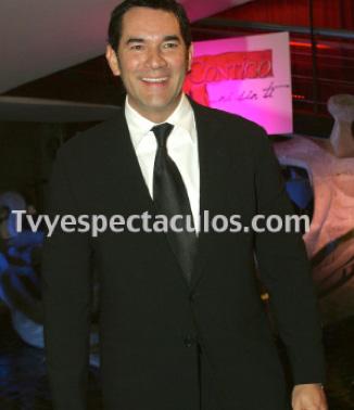 Eduardo Santamarina deja Aventurera
