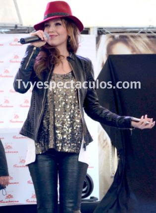 Thalía visitará a su abuela en México