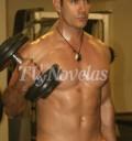 David Zepeda haciendo ejercicio