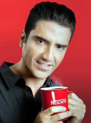 Alejandro Fernández imagen de Nescafé