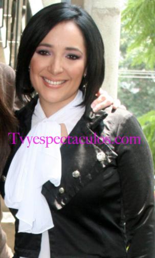 Feliz Cumpleaños a Myriam Montemayor