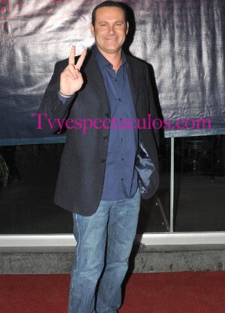 Alan Tacher conductor de El Chapuzón de Televisa