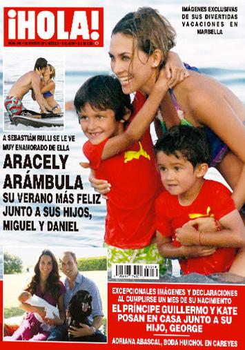 Aracely Arámbula con sus hijos en España