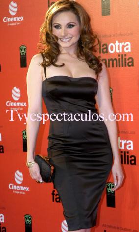 Elizabeth Álvarez