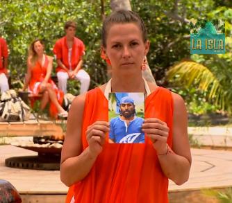 Ceci Ponce se disculpa por su reacción violenta en La Isla