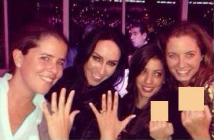 Inés Gómez Mont presume su anillo de compromiso