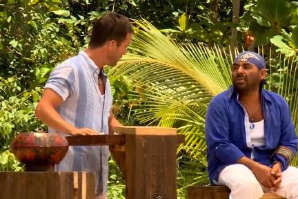 Carlos sale de La Isla