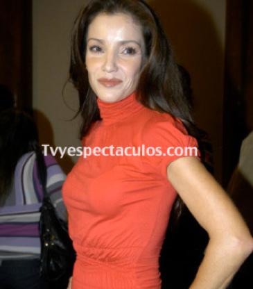 Feliz cumpleaños a Karla Álvarez