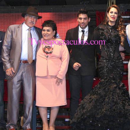 Andres Garcia y Ninel Conde en Perfume de Gardenia