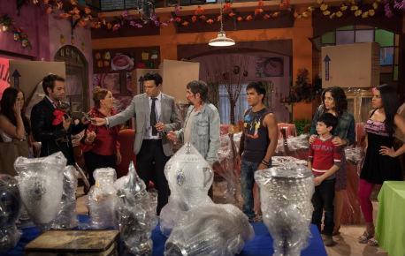 Familia Ruizpalacios llega a La Nopalera en Qué pobres tan ricos