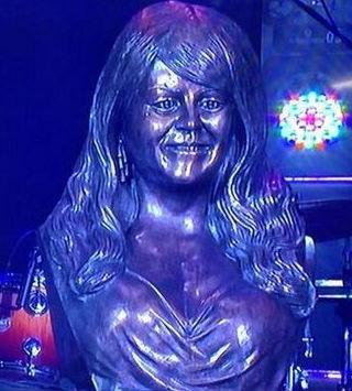 Busto de Jenni Rivera