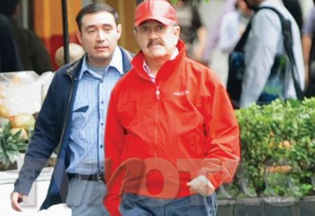 Pedro Sola y su novio
