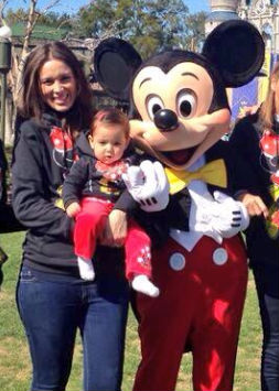 Jacky Bracamontes y su hija