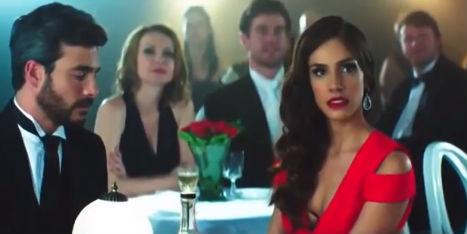 Sandra Echeverría en el video El Perdedor de Enrique Iglesias