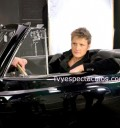 Alexander Acha grabando video Gimme me your love