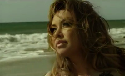 Chiquis Rivera en Video Paloma Blanca