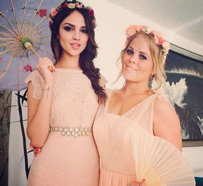 Eiza González y Lucia Gaudiano en boda