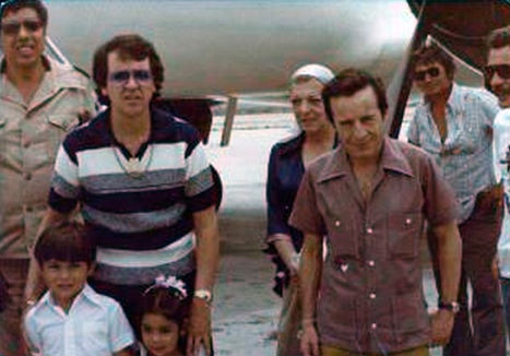 Publican imagen de Chespirito con Narco Colombiano