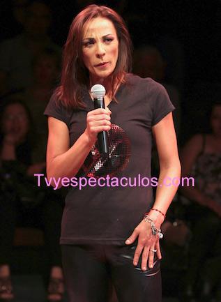 Consuelo Duval podría tener programa en Tv Azteca con César Costa