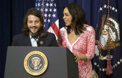 Diego Luna presentó su película en La Casa Blanca