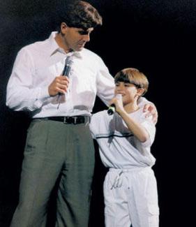 Manuel Landeta y su hijo