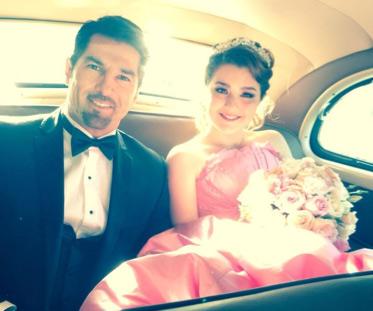 Arturo Carmona y su hija
