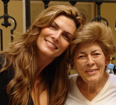 Montserrat Oliver y su mamá