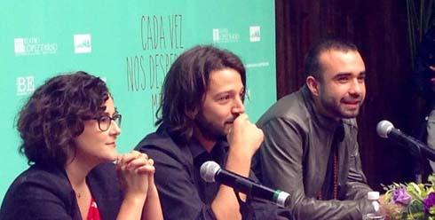 Diego Luna en conferencia de prensa