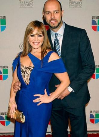 Viudo de Jenni Rivera planea contraer nuevamente matrimonio con una cantante